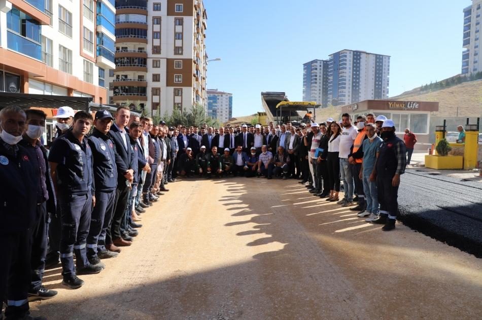 2021/09/1631190196_yahsihan-da_her_yer_asfalta_kavusuyor_-6.jpg