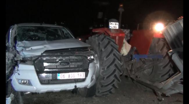 Kırıkkale'de buğday yüklü traktör ile pikap çarpıştı
