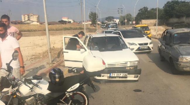 Kırıkkale'de otomobil ile motosiklet çarpıştı 2 kişi yaralandı