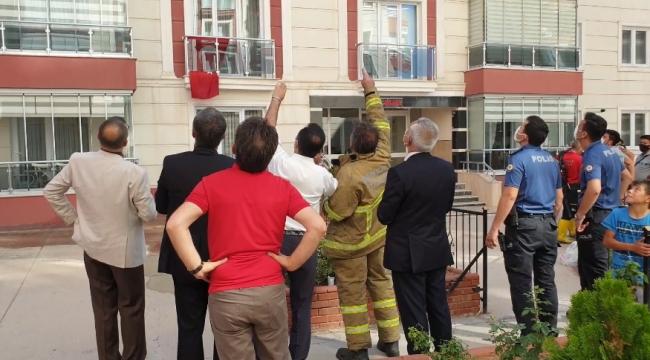 Buzdolabı motoru patlayınca 8. kattaki dairede yangın çıktı