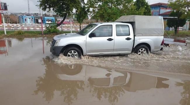 Kırıkkale'de aniden başlayan sağanak yağış etkili oldu