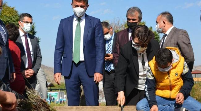 Tarım Akademisi öğrencileri tohumları toprakla buluşturdu